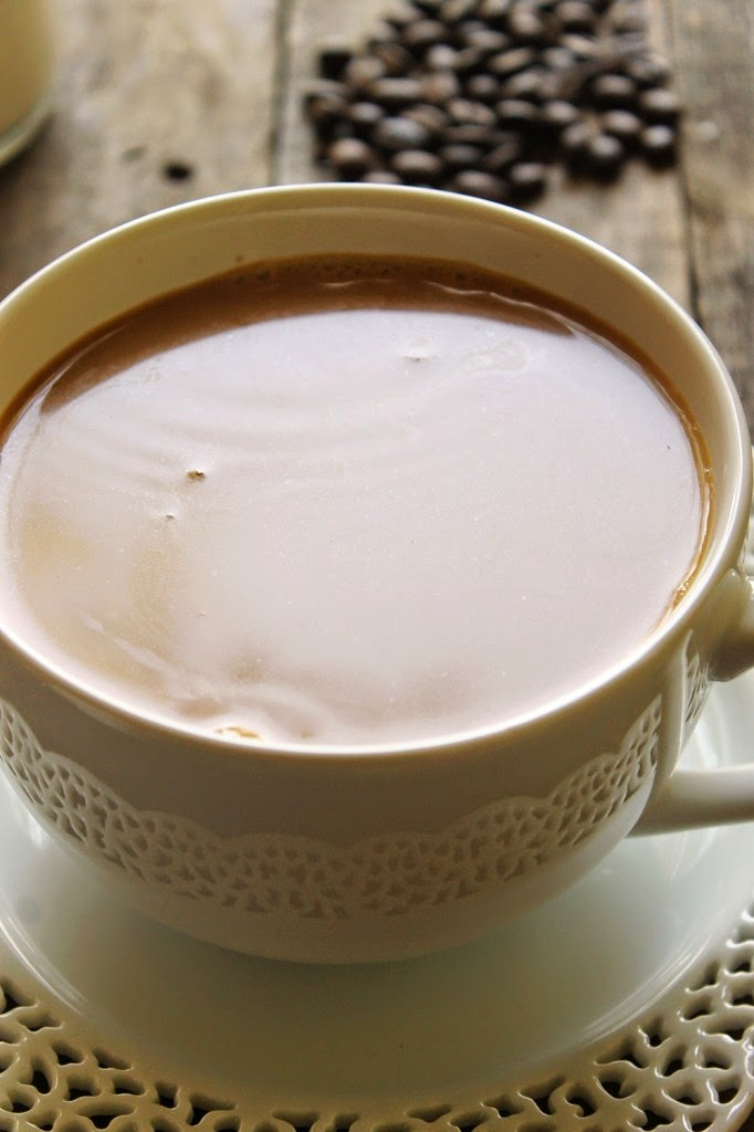 Homemade Maple Vanilla Coffee Creamer, shared by Natural Chow