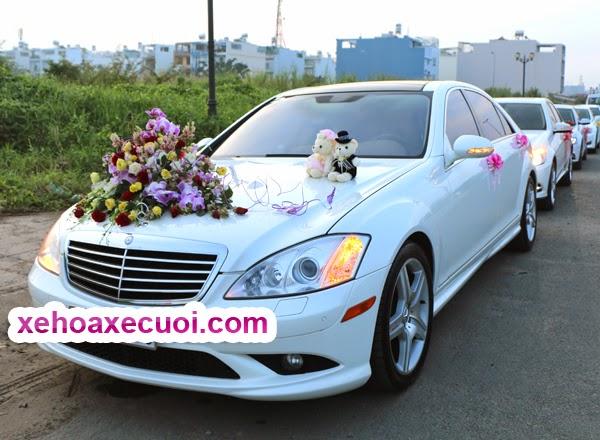 Cho thuê xe hoa màu trắng Mercedes S550