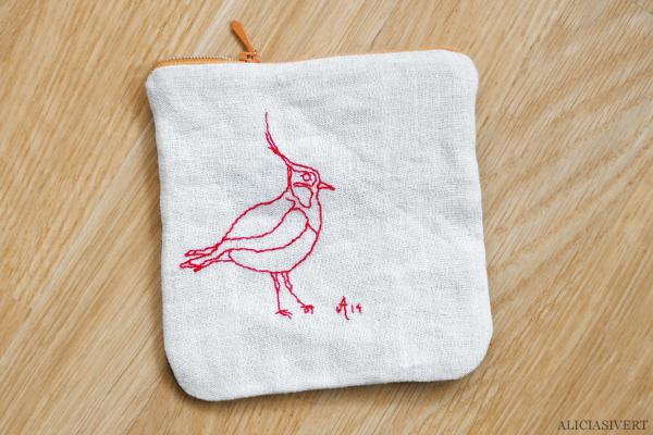 aliciasivert, alicia sivert, alicia sivertsson, saksamlarpåse, påse, broderi, embroidery, needlework, tofsvipa, fågel, bird