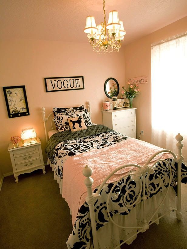 Paris themed girl bedroom