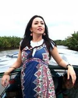 angelina sondakh hamil Angelina Sondakh Hamil Di Penjara