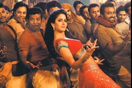 Chikni Chameli Katrina Kaif Spicy Wallpaper for Agneepath Bollywood Movie