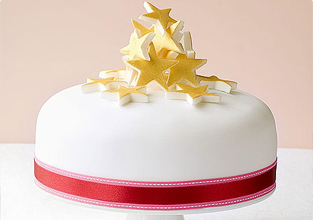Modern Christmas Cake Decorating Ideas : Lynda Jane Cakes: Christmas Cake Decoration