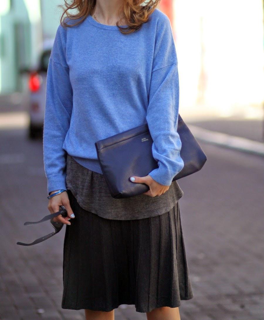 date, outfit, plisseskirt, knitwearlook, acnestudio, cashmere, ootd, streetstyle, fashionblog, fashion, fw14, בלוגאופנה, אופנה