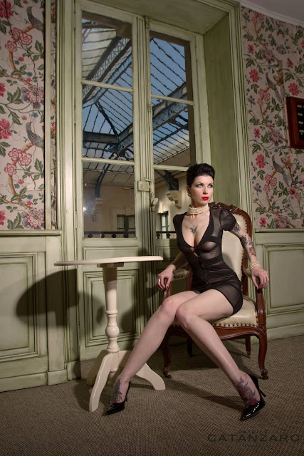 Photo tirée du nouveau catalogue de Patrice Catanzaro. Modèle coiffée et maquillée par Eddy du Studio 54.