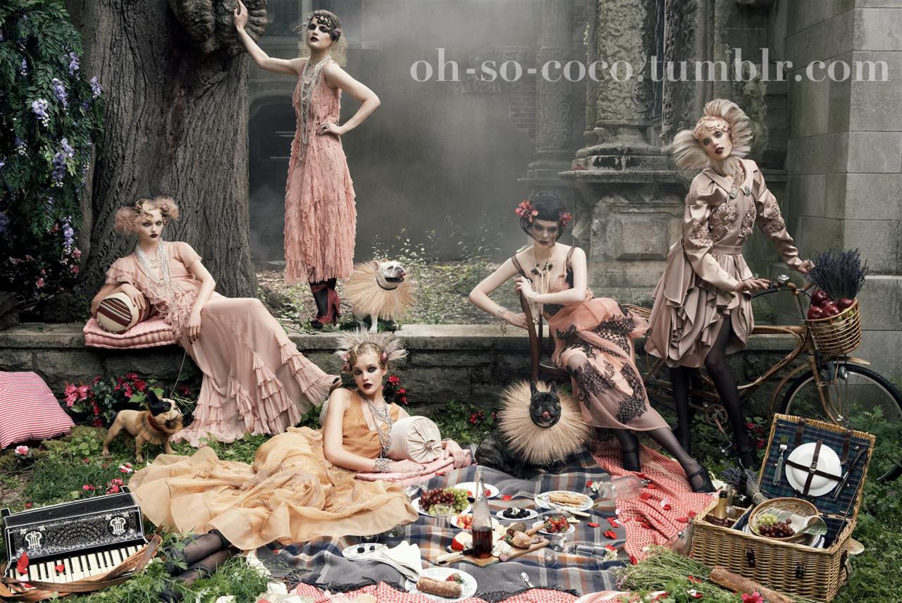 http://2.bp.blogspot.com/-kWlsi1U95BQ/UK1FryKq8oI/AAAAAAAAFlE/Lg_uWTZFo9M/s1600/Vogue-September-Issue-2007-Steven-Meisel.jpg