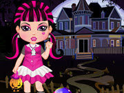 The little Draculaura want to make new friends, it needs a new look, you can help if you choose a nice dress, hair and makeup.