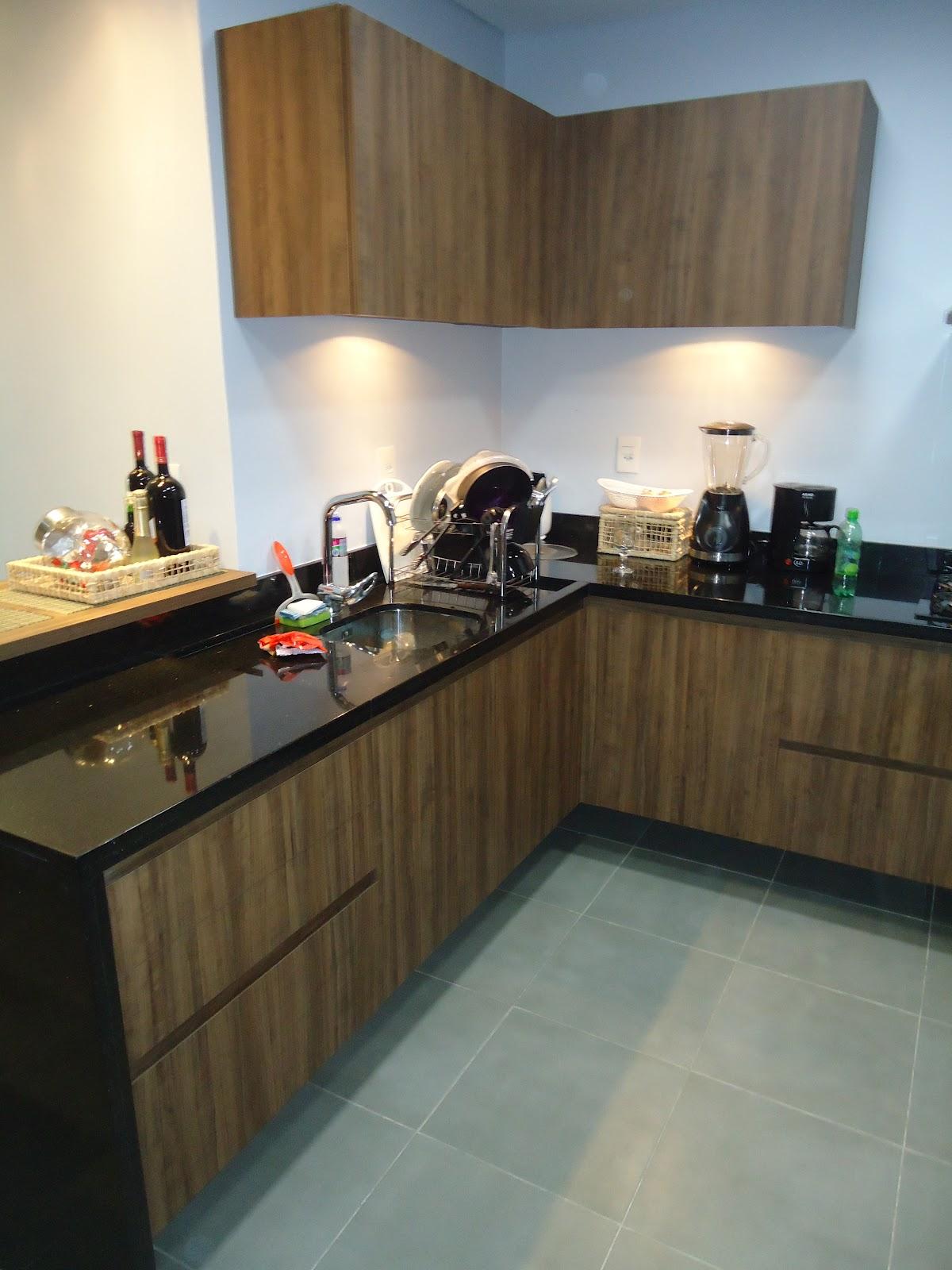 Móveis RF: Cozinha completa em Mdf (ameixa negra) e (preto textura  #8E703D 1200 1600