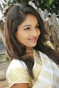 Eesha Ranganath Photos-thumbnail-11
