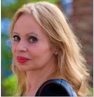"""Helga König im Gespräch mit Angélique  Duvier über den Gedichtband """"Dramaturgie des Lebens""""."""