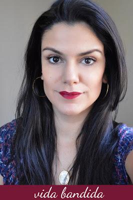 Marina Smith com batom vida bandida da sua linha para Sephora