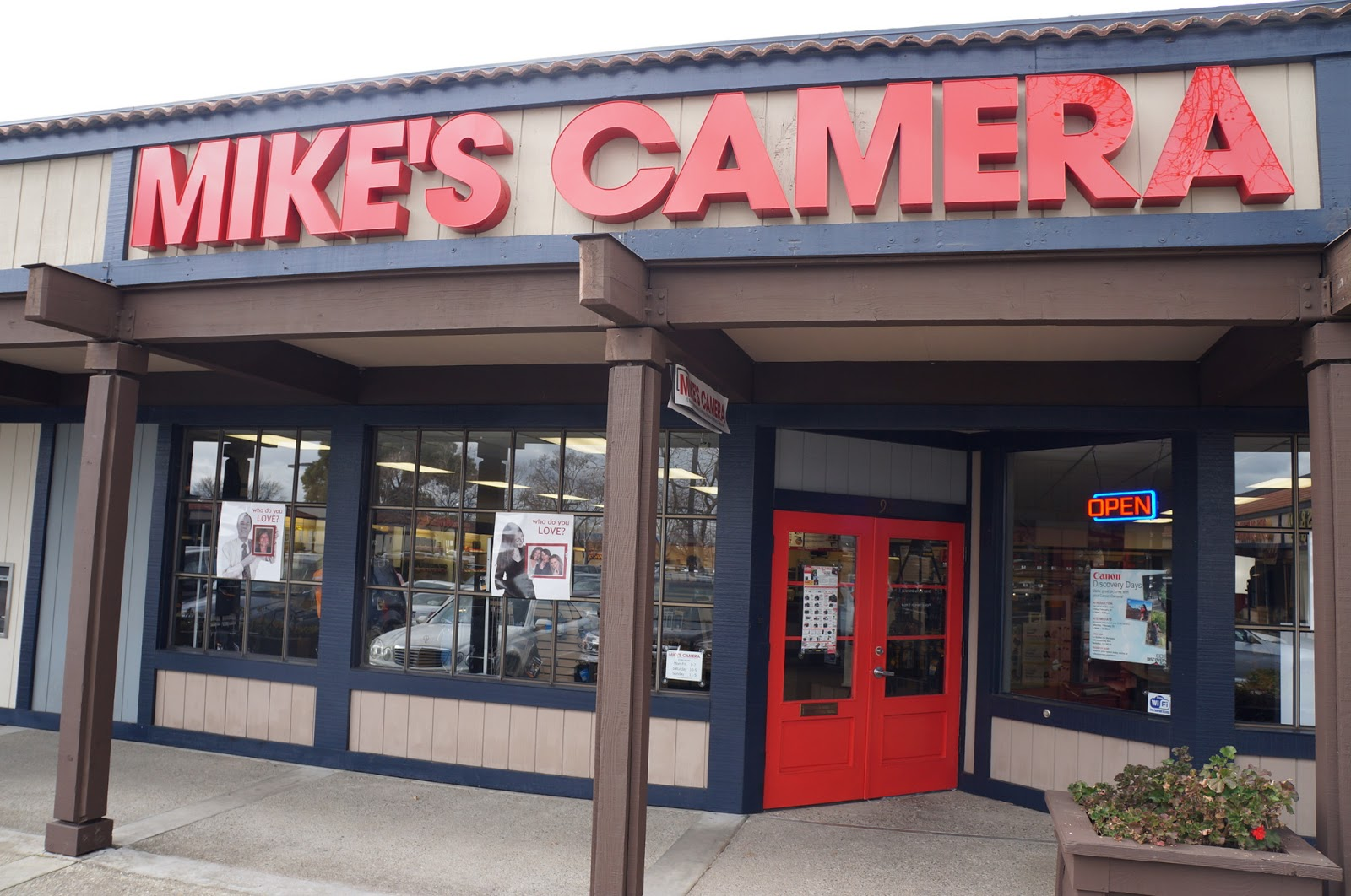 WL BLOG UNO: Mike's Camera - Dublin -Best East Bay Camera Store