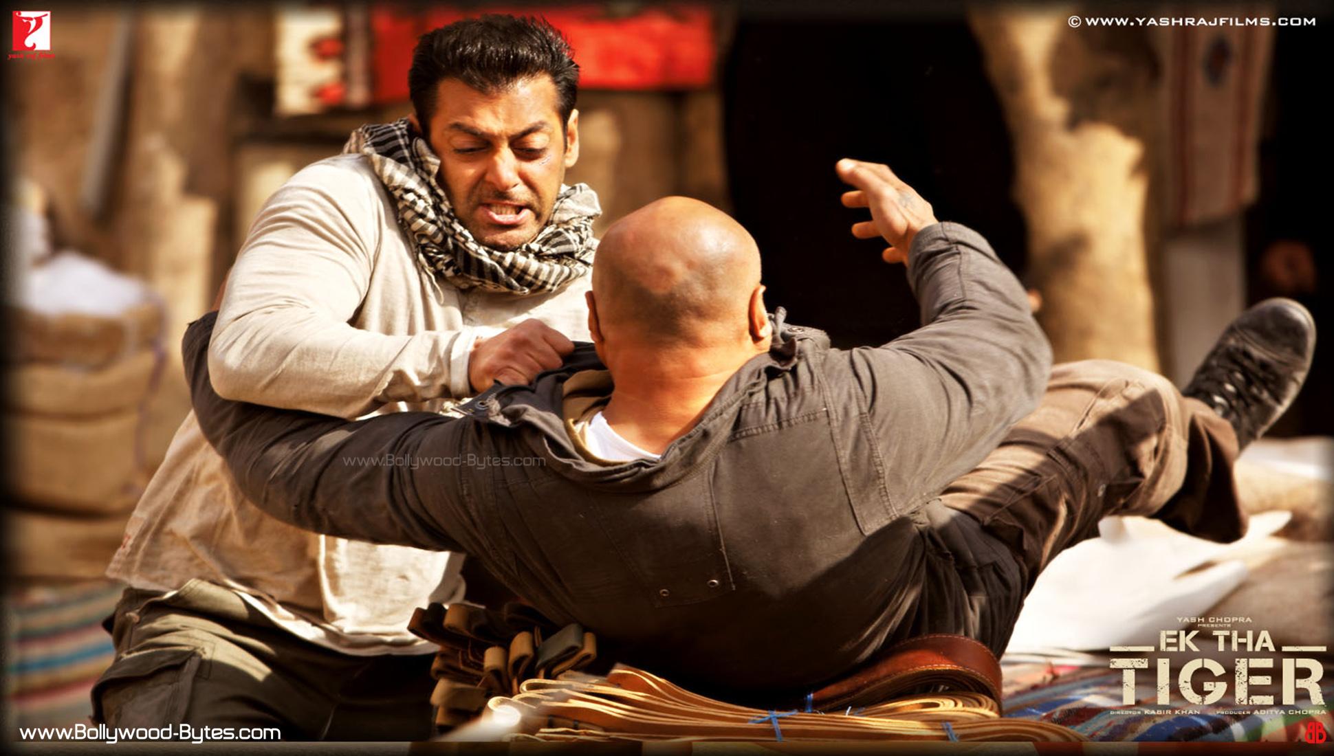 http://2.bp.blogspot.com/-kXGhnpNn2vg/UAhXsuNPGpI/AAAAAAAAL48/VJl4eWLXsBc/s1940/Ek-Tha-Tiger-Salman-Khan-HD-Wallpaper-11.jpg