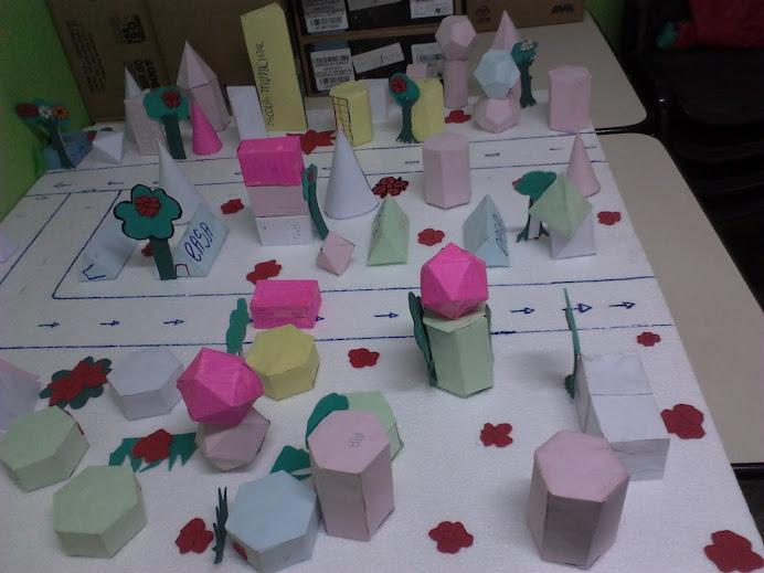 exposição de poliedros