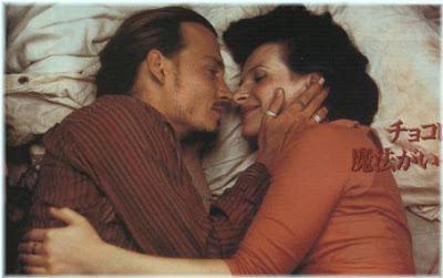 Imagen de Juliette Binoche junto con Johnny Deep en 'Chocolat'