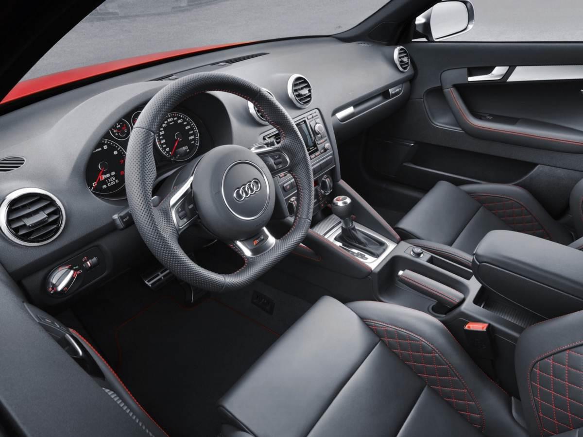 Audi RS3 2011 - interior