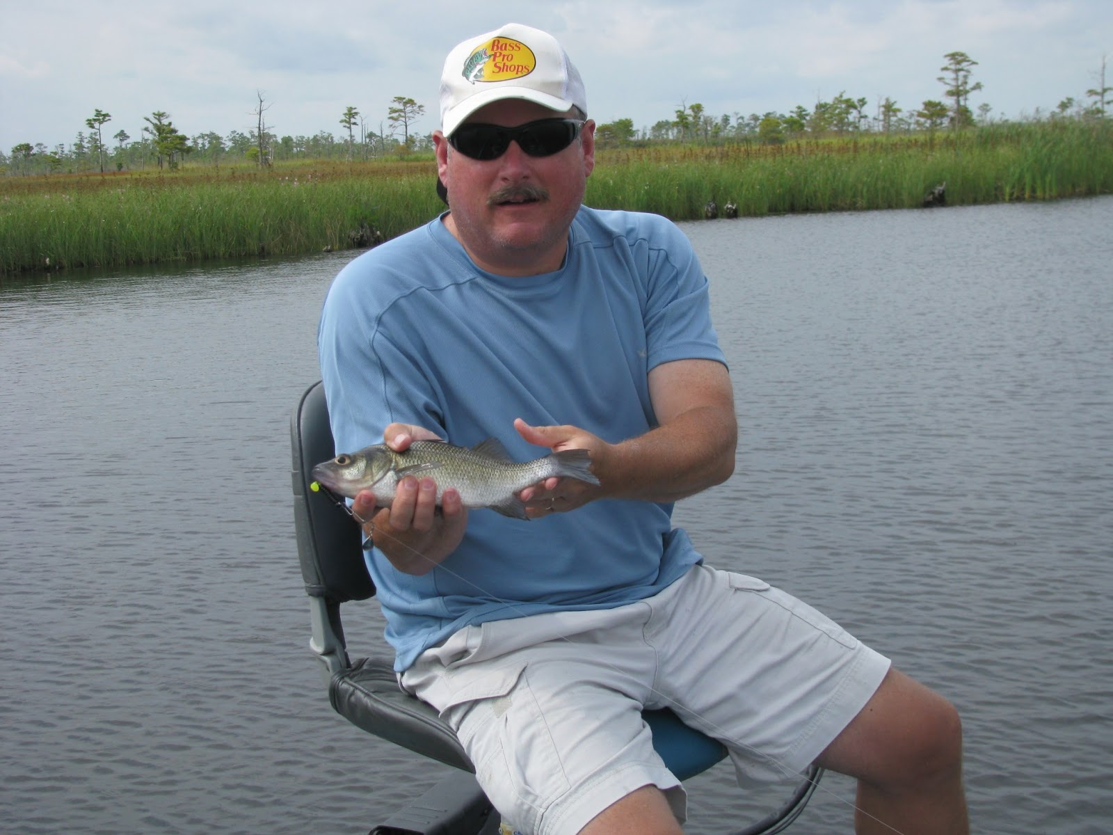 Backwateradventures bass fishing on the outer banks for How to fish for crappie from the bank