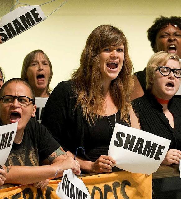 Ativistas anti-vida inconformadas com a derrota