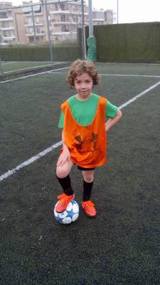Ο Διογένης με τη μπάλα ποδοσφαίρου