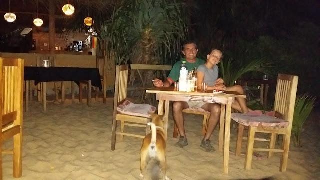 Cena en la Playa de Tangalla (Sri Lanka)