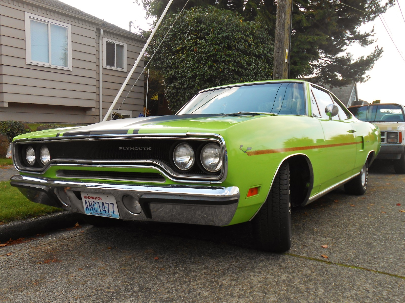 seattle 39 s parked cars 1970 plymouth road runner. Black Bedroom Furniture Sets. Home Design Ideas