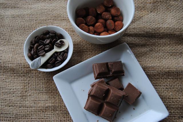 ICE CREAMUTS|DARK CHOCOLATE|COFFEE BEANS BALLS|HAZELN