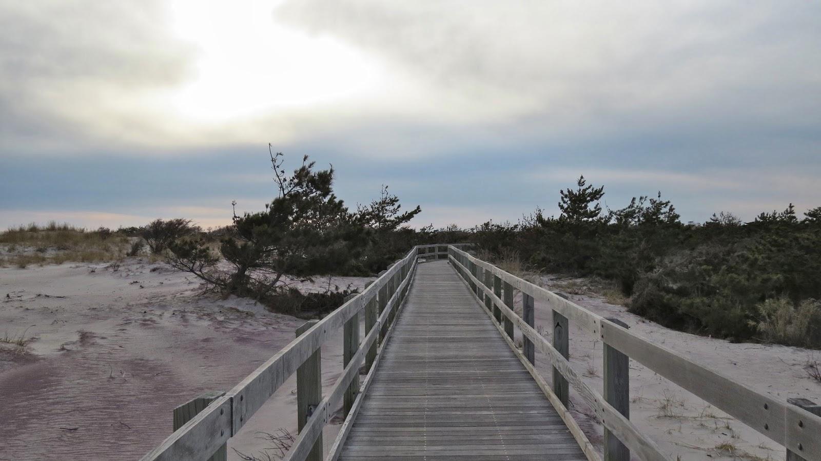 Fire-Island-Boardwalk-in-Early-Spring
