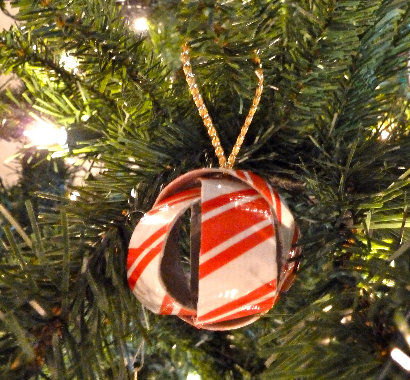 Make It Easy Crafts: Dimensional Duct Tape Christmas Ball