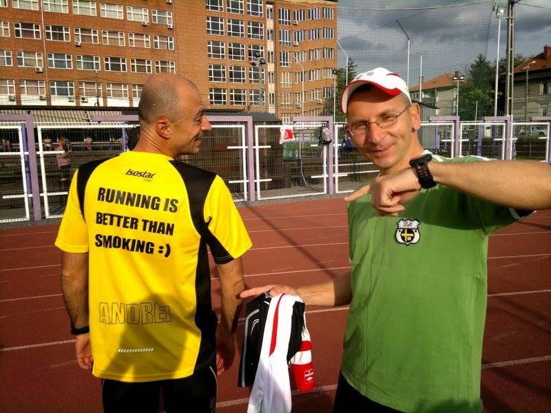 Alergare cu doi fosti fumatori, Andrei Rosu si Ciprian Stefanescu, la Stadion Stiinta, Timisoara. Alergarea este mai buna decat fumatul