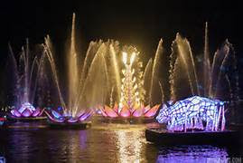 Couples Getaway - River of Lights Package!