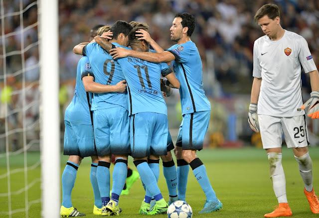 O Barcelona abriu o placar com um cabeceio de Luis Suárez (foto: ANDREAS SOLARO / AFP)