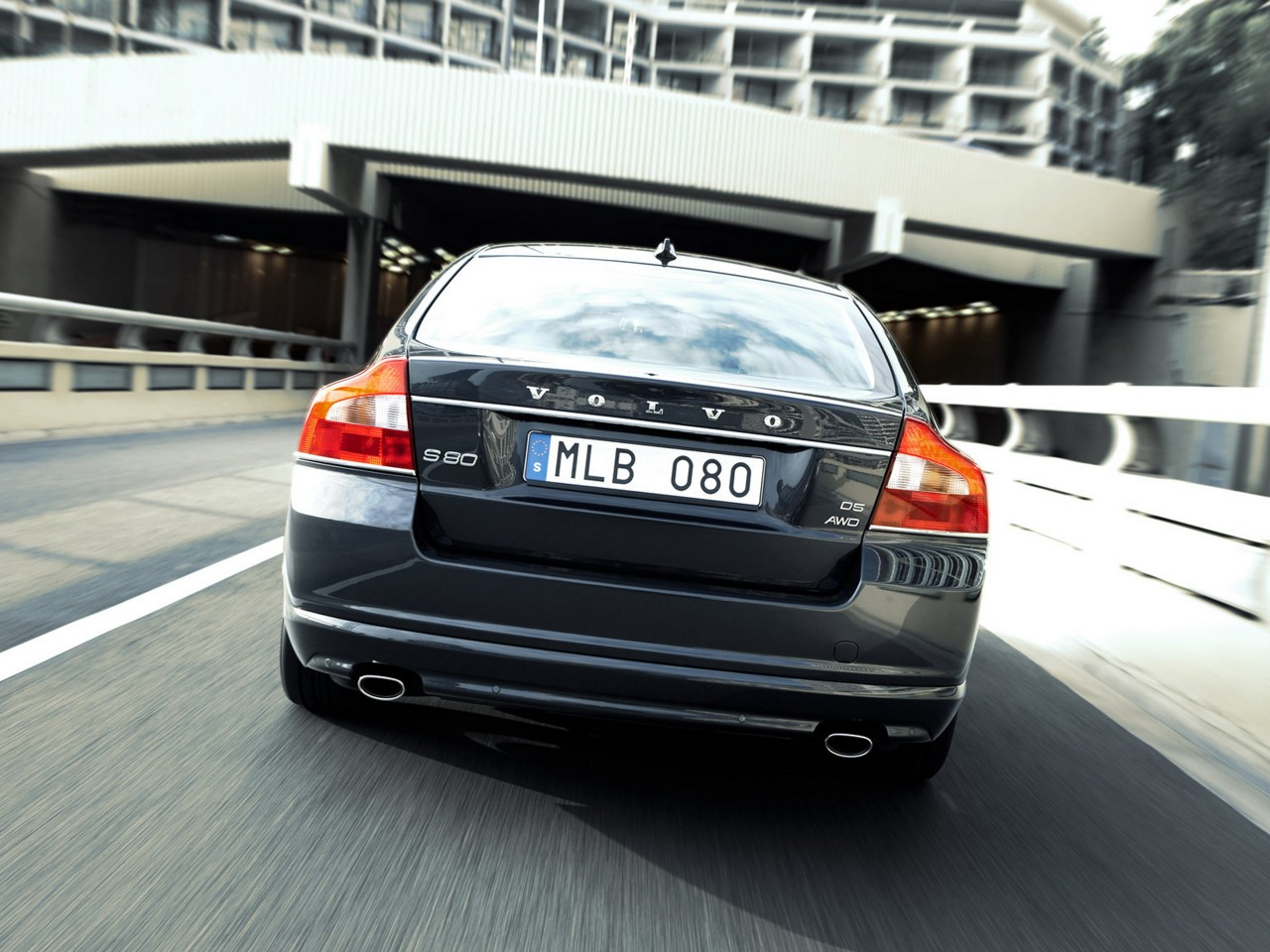 2010 Volvo S80 D5 AWD Pictures