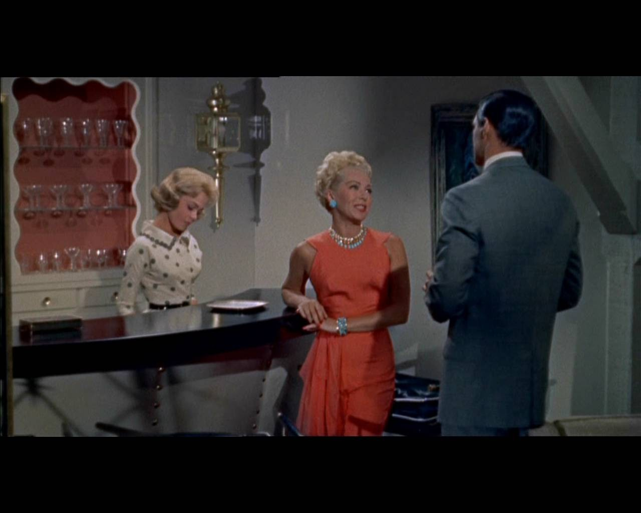imitation of life Watch imitation of life movie trailer and get the latest cast info, photos, movie review and more on tvguidecom.