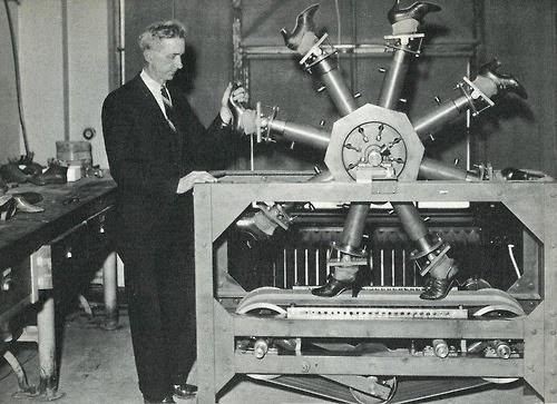 http://historicaltimes.tumblr.com/post/102619798258/national-bureau-of-standards-walking-machine#disqus_thread