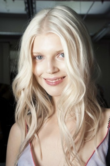 color de cabello rubio platino desgastado tendencias 2015 2016