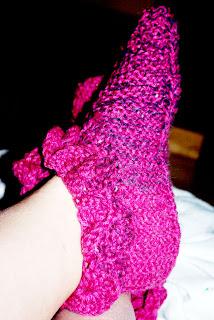 ciepłe kapcie na drutach