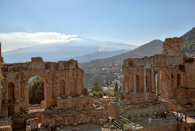 File:Taormina BW 2012-10-05 16-15-42.jpg
