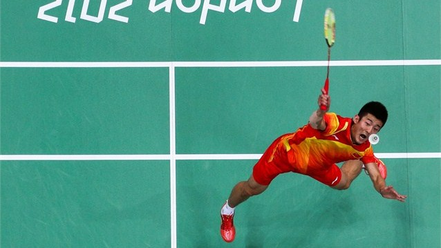 Badminton - Lin through as China guarantees medals » Olympic News | Lin Dan