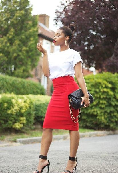 Красная юбка синяя кофта