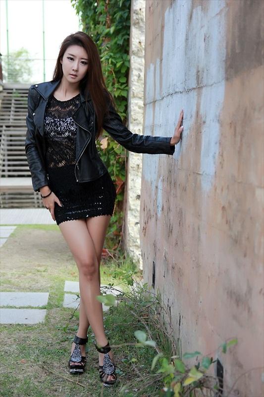 Park Hyun Sun - Fabulous Leggy Babe
