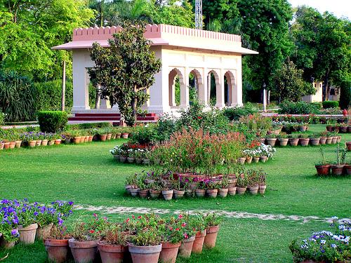 Pakistan places pictures tourism pakistan travel guide for Garden designs in pakistan