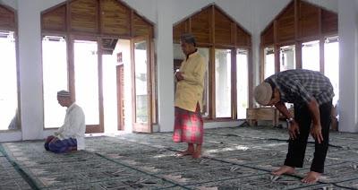 http://benmuha27.blogspot.com/2012/11/macam-macam-shalat-sunnah-dan.html