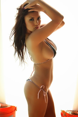 Justene_skimpy string bikini_3