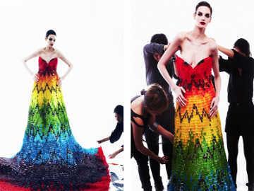 Mau Lihat Gaun Terbuat Dari 50.000 Permen?