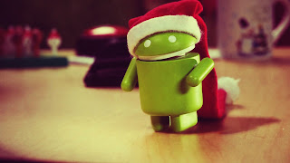 Android Mascot with Christmas Hat HD Wallpaper