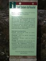 Rètol informatiu sobre l'església de Sant Sadurní de Fonollet