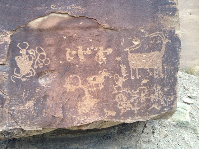 Aliens, Chicken Person, and 2-Headed Goats on this Petroglyph Panel in Nine Mile Canyon Utah