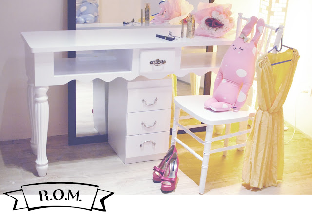 dressing table room