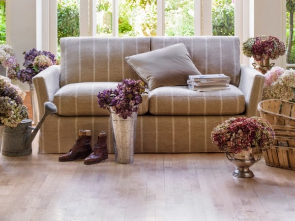 Sofa Minimalis almond