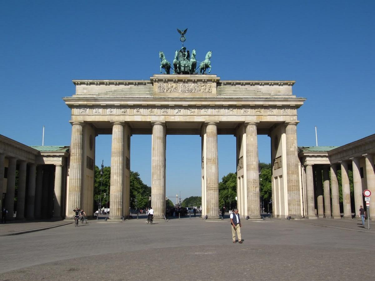 Di qua e di la visita a berlino visit to berlin - Berlino porta di brandeburgo ...